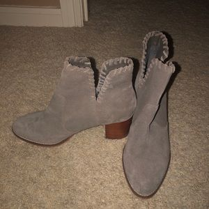 Urban outfitters size 9 booties